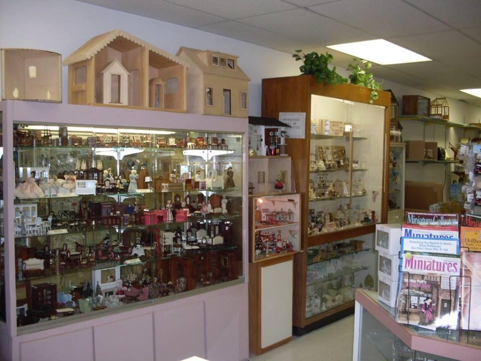 Circus Dollhouse Store